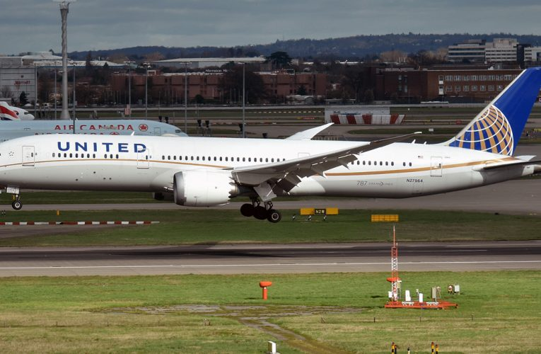 United Strikes Deal with Pilots on Buyouts, Early Retirements