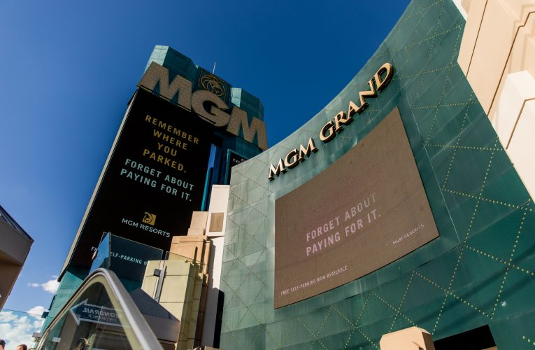 MGM Resorts to Send Pink-Slip to 18,000 amid Slow Comeback after Lockdown